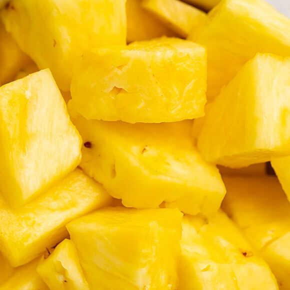 Ananasai kūbeliais